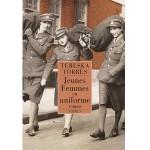 Jeunes femmes en uniforme-fr